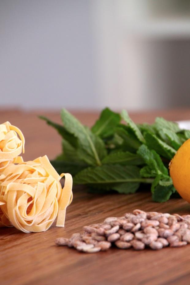 Tagliatelle, Wachtelbohnen, Minze, Zitrone